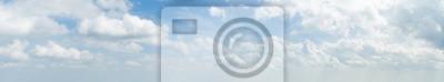 Fototapeta Panorama z białym obłoku i błękitne niebo w godzinach porannych