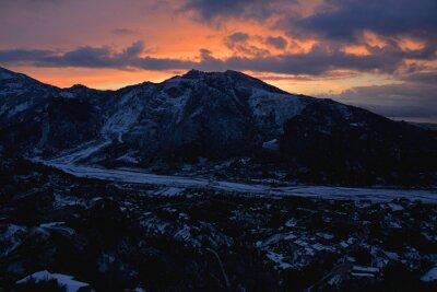 Fototapeta Panorama zabytkowej wioski śnieżny - zamek Sycylia