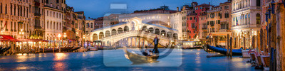 Fototapeta Panoramic view of the Rialto Bridge and Canal Grande in Venice, Italy