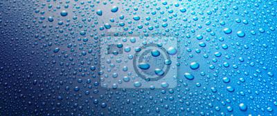 Fototapeta Panoramiczny banner krople wody na niebieskim metalu