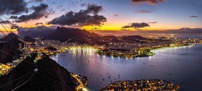 Fototapeta Panoramiczny widok z Rio de Janeiro w nocy, patrząc od Sugar Loaf szczyt.