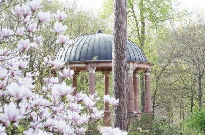 Fototapeta Pawilon na wiosnę starożytnej