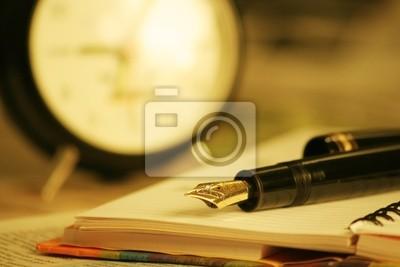 Fototapeta pen, organizer i zegar
