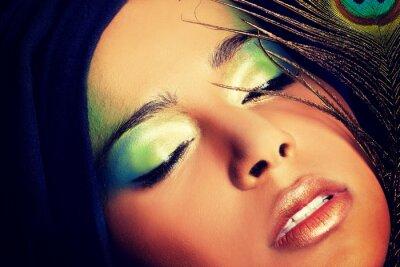 Fototapeta Piękna kobieta z artystycznego makijażu.