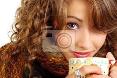 Fototapeta piękna młoda dziewczyna portret z gorącym kubkiem kawy