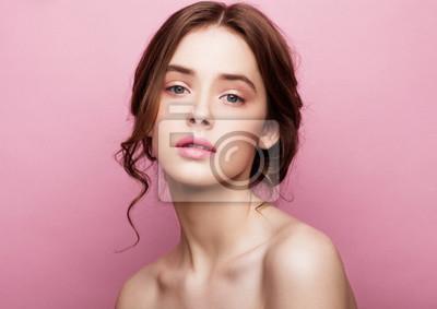 Fototapeta Piękna modelka cute mody z naturalnych makijażu
