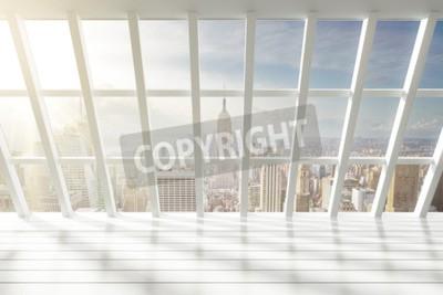Fototapeta Piękna pusta biała loft wnętrza z widokiem na miasto o świcie