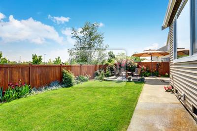 Fototapeta Piękne projektowania krajobrazu do przydomowego ogrodu i patio