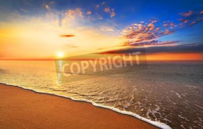 Fototapeta Piękne tropikalnych słońca na plaży.
