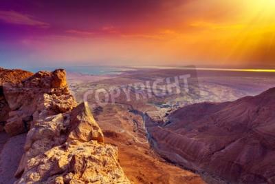 Fototapeta Piękne wschód słońca nad twierdzą Masada. Ruiny pałacu Króla Heroda w Pustyni Judzkiej.