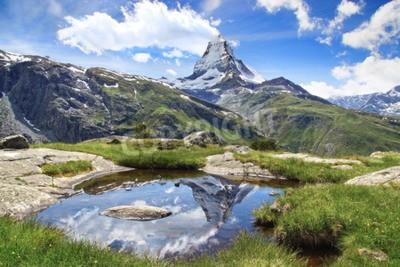 Fototapeta Piękny krajobraz górski z jeziorem Stellisee. Szwajcaria.