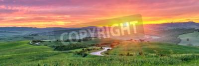 Fototapeta Piękny krajobraz Toskanii na wschodzie słońca, Włochy