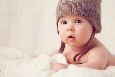 Fototapeta pierwsze zdziwienie dziecka na twarzy