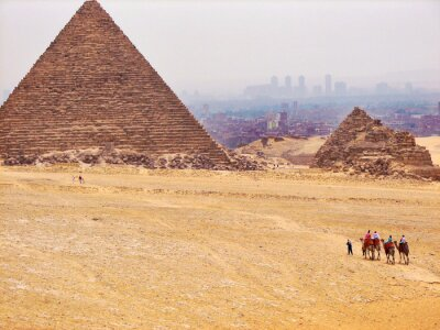 Fototapeta Piramidy egipskie na pustyni w Afryce