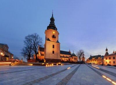 Fototapeta placu Marii Panny z katedry dzwonnica w godzinach wieczornych. Kie