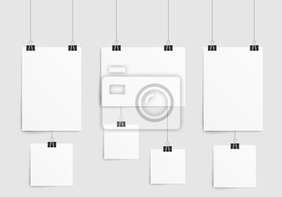 Fototapeta Plakat szablon z arkusza papieru. Kolekcja pusta rama papieru makieta wiszące z spinacza. Pojedynczo na białym tle. ilustracji wektorowych.