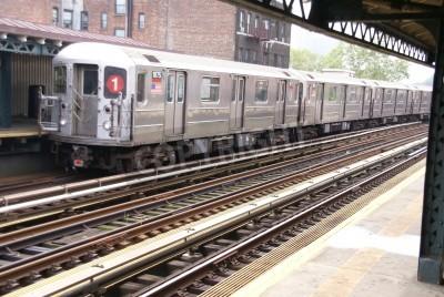 Fototapeta Podwyższone metra na Manhattanie, końcówki hiszpańskim Harlemie w Nowym Jorku