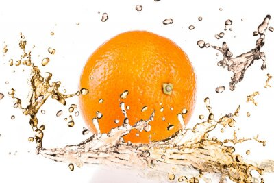 Fototapeta Pomarańczowe owoce i rozpryskiwania wody