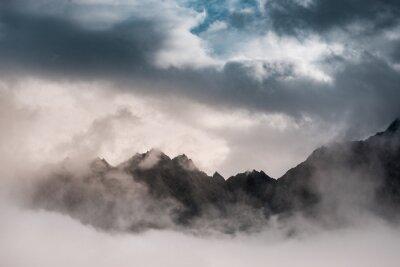 Fototapeta Poprzez Chmury (Alpy szwajcarskie)