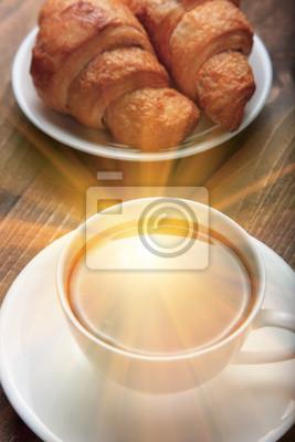 poranną kawę z rogalikami
