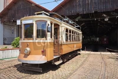 Fototapeta PORTO, Portugalia - 02 lipca: Museu Carro Eléctrico (muzeum Tramwaj) na 02 lipca 2014 w Porto, Portugalia