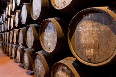 Fototapeta portowych w wieku wino w beczkach w piwnicy
