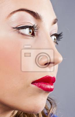 Portret młodych piękne blond Dziewczyna z stylowe makijaż