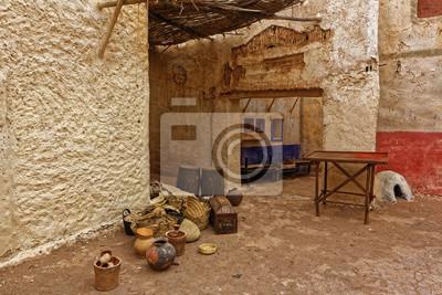Porzucone i opuszczone miasto w Ouarzazate, Maroko.