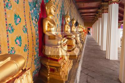 Posąg Buddy w świątyni Wat Arun