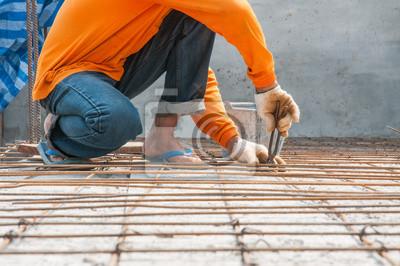 Pracownik, zbrojenie gridwork po podłodze wytrzymałości