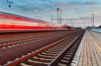 Fototapeta Prędkość pociągu na stacji