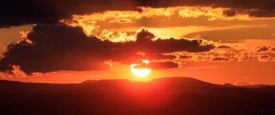 Fototapeta Prężny światła słonecznego w górach