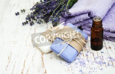 Fototapeta Produkty Spa i lawendy kwiaty na starym drewnianym tle