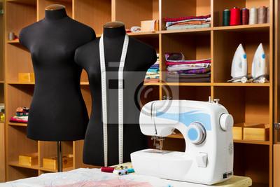 Projektant mody studio z dressmakers profesjonalnego sprzętu