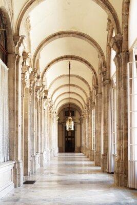 Fototapeta Przejście z łukami piękne w Pałacu Królewskim w Madrycie