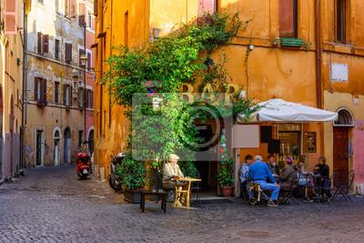 Fototapeta Przytulny stary street w Trastevere w Rzymie, Włochy