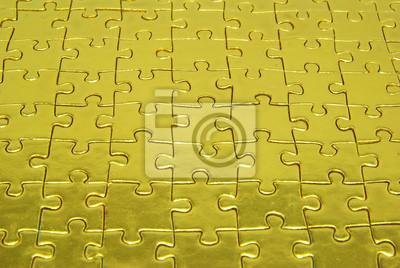 puzzle złotym tle