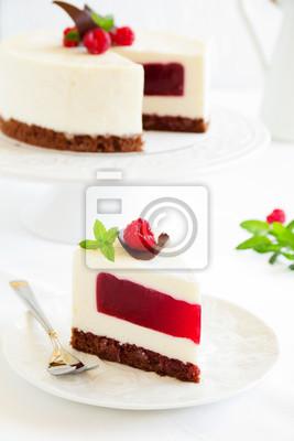 Fototapeta Pyszne ciasto maliny z malinowym galaretki.