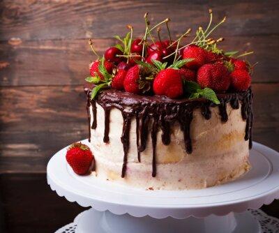 Fototapeta Pyszne ciasto z truskawek i wiśni