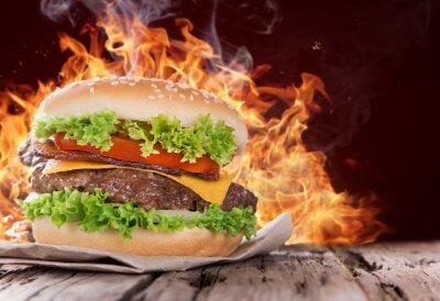 Fototapeta pyszne hamburger na drewnie