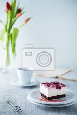 Fototapeta Pyszne i słodkie sernik z wiśni galaretki
