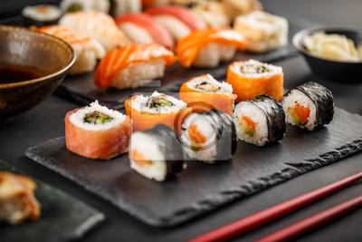 Fototapeta Pyszne rolki sushi