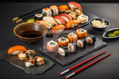 Fototapeta Pyszne sushi set