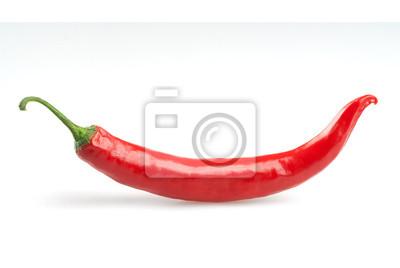 red hot chili papryka izolowane na białym tle