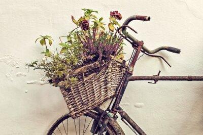 Fototapeta Retro stylem obraz stary rower z koszem