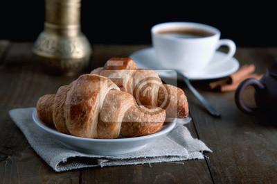 rogaliki rano z kawą