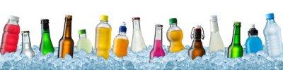 Fototapeta Różne napoje w kruszonym lodem