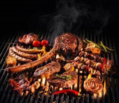 Fototapeta Różne pyszne mięso z grilla na grilla