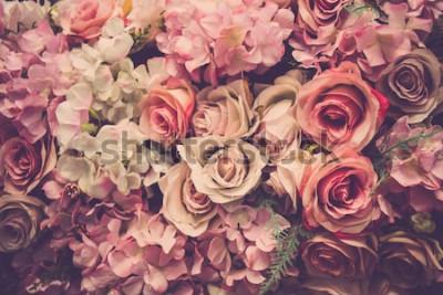 Fototapeta Różowe róże w tle. Filtr retro.