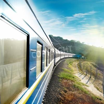 Fototapeta Ruch i niebieski pociąg wagon. Miejski transport